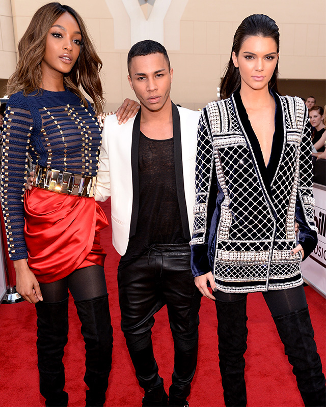 modamob-balmain-hm-kendall-olivier-red-carpet-embed_0