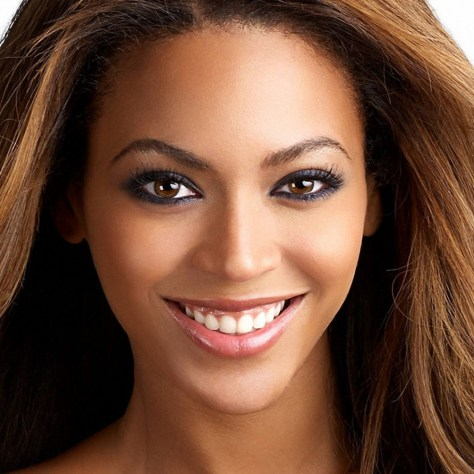 beyonce_smile_face_lips_hair_5905_1024x1024