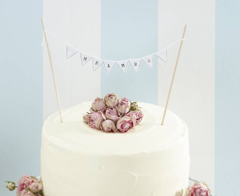 original_vintage-lace-just-married-cake-bunting